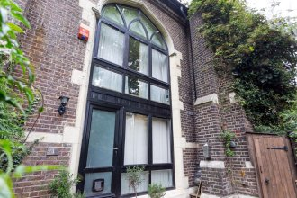 Converted Church Home with Parking, Sleeps 6