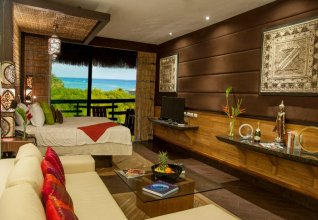 Aldea Thai by oceanfront