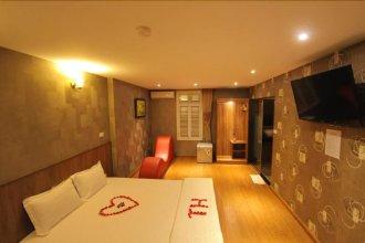 TH Hotel