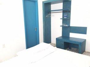 Blue Anchor Lodge & Cafe-Binh Ba Island