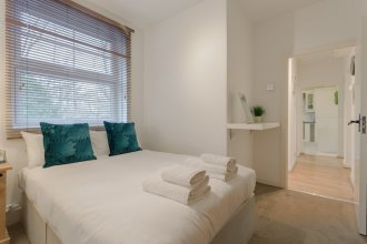 2 Bedroom Apartment in Wapping