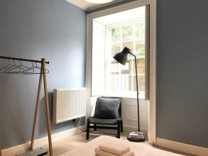 1 Bedroom Flat In Edinburghs New Town