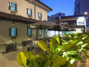 Trilogy Hotel, Restaurant & Bar