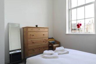 Spacious 2 Bedroom Loft In Converted School