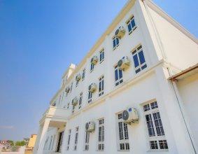 Hotel Lacoul Inn