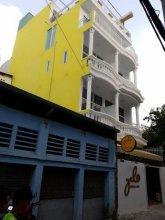 Yelo Hostel & Cafe
