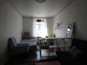 Apartment na Chaykovskogo 12
