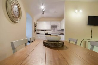 Cosy 2 Bedroom Apartment In Heart Of The City
