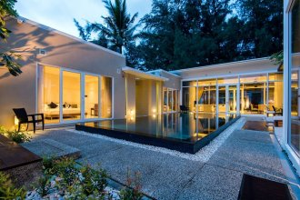 Excellence Beachfront Villa