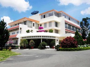 Lavy Hotel