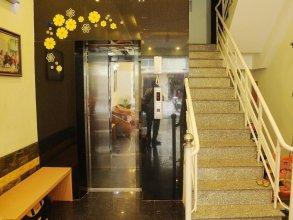 Queen Hotel 2