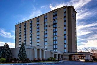 Crowne Plaza Newark Airport, an IHG Hotel