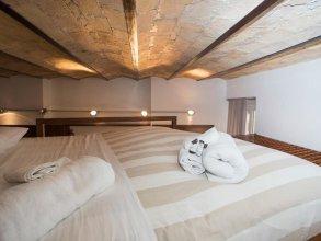 Trevi Fountain - Lovely Loft Apartment