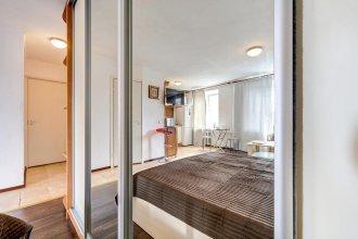 Na Lomanoj 6 Apartments