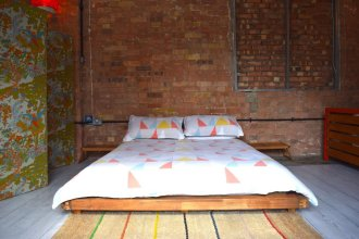 Industrial Open Plan Studio in Hackney