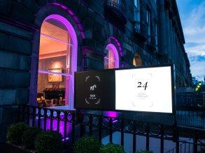 24 Royal Terrace Hotel