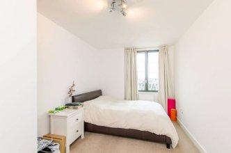 Stunning 2 Bed Flat w/ Terrace Next to Kings Cross