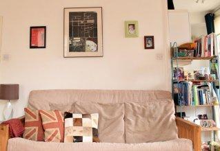 Spacious Studio Apartment in Portobello Road