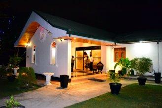 Guruge King's Island Resort