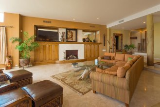 Large 7 Bedroom Home That Fits 18 W/ocean Views at Villa las Flores