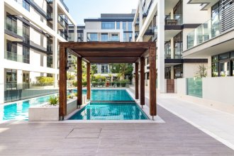 Upscale 3BR Apartment In Prime Location - City Walk