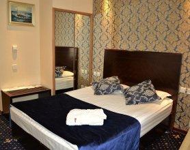 Отель Renion Hills
