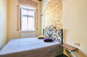 Apartment Valovaya 21b