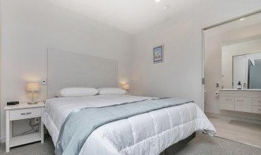 QV Design Ideally Located Apartment - 833
