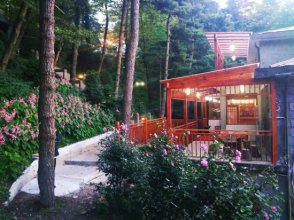 Songmen Shanshe Hostel