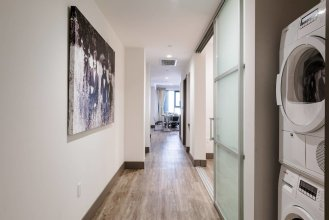 Huge 2-bed/2-bath Near Ace Hotel, Staples & Lacc