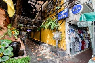The Alley Hostel & Bistro