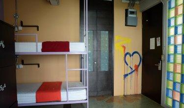 ZEN Hostel Silom 14