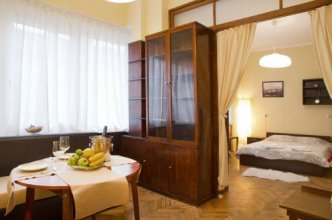 Rakovski Apartment