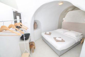 Opsis Cave House