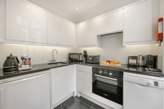 10 Curzon Street Apartments by Mansley