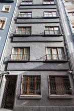 Myra Pera Apartments