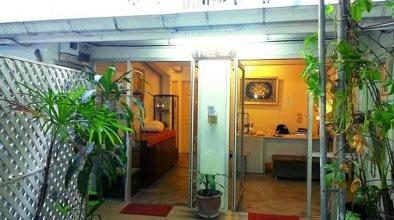 Freesia Saladaeng Silom Apartments