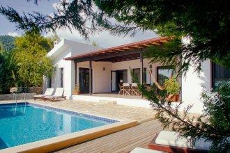 Villa Papatya by Akdenizvillam