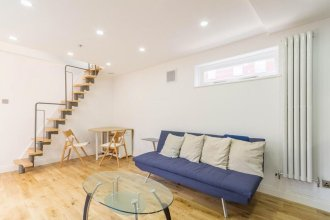 Leicester Square Just Renovated 2BD Mezzanine Flat