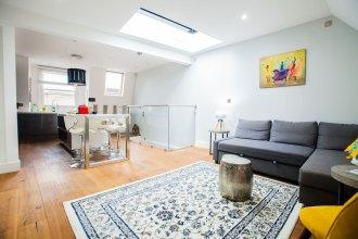 Modern Central Richmond Luxury Residence