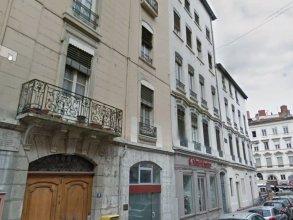 Honorê - Hôtel Pour Nomades Rêveurs - 4 Vaubecour
