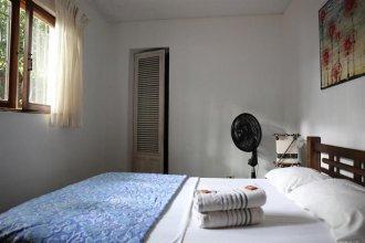 La Pinta Boogaloo Hostel