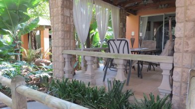 Dinkwe Lodge & Guest House