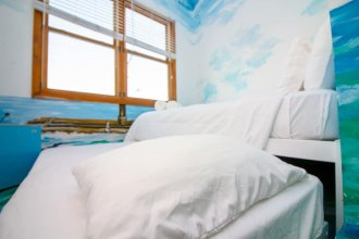 The High Tide Studio #6 1 Bedroom 1 Bathroom Condo