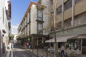 Downtown Funchal Apartments 2C 25 Fontes by An Island Apart