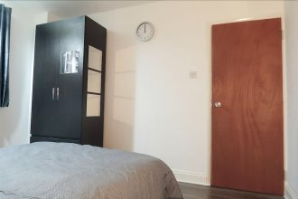 Bazely Street - Deluxe Double Room