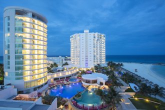 Altitude By Krystal Grand Punta Cancun All Inclusi