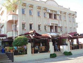 Hotel Domino Palace
