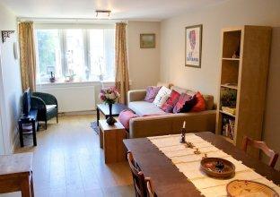 Bright Spacious 2 Bedroom Flat In Stockbridge