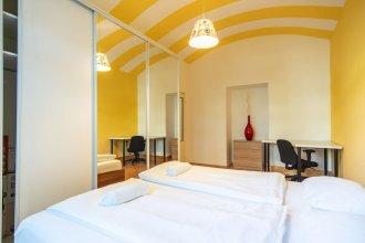 Colourful Zizkov two bedroom apartment near city centre